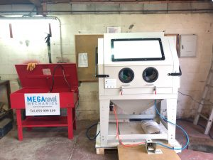 Centro de lavado y chorreo de piezas / Cleaning & Sand blasting Center